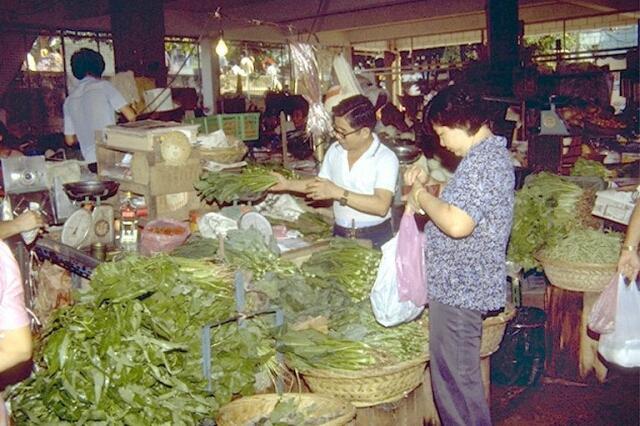 lim tua tow market9 1980s