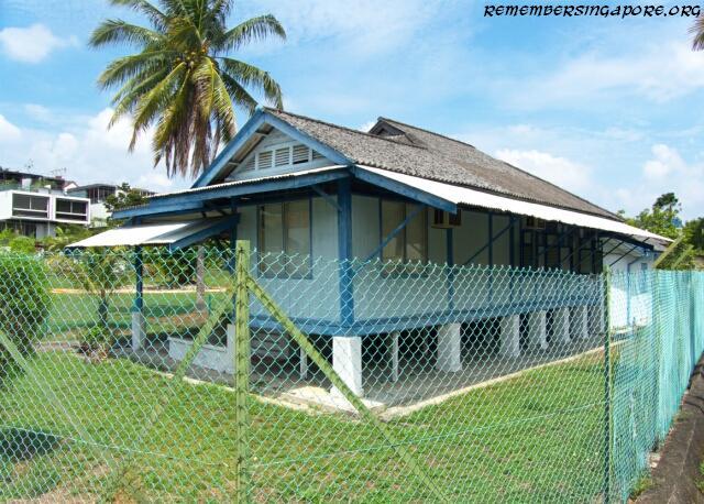 bedok avenue kampong house