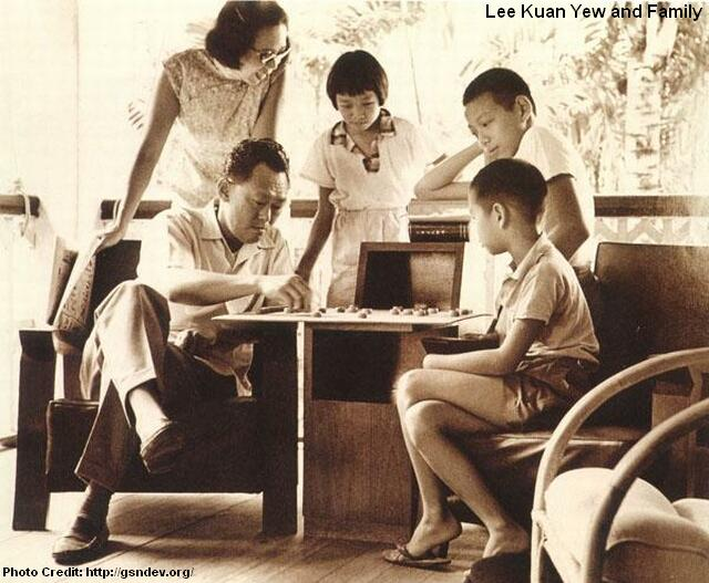 lee kuan yew played chess with sons