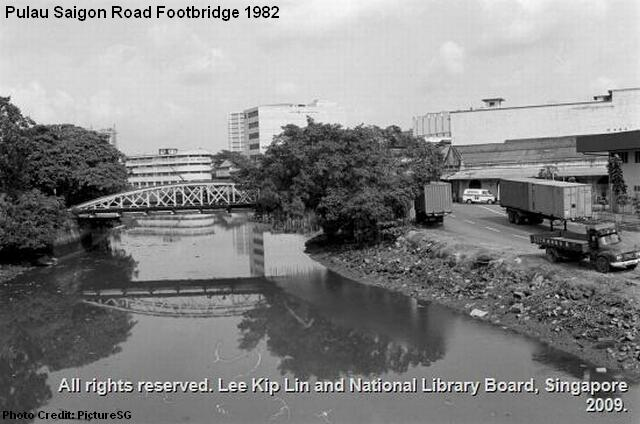 pulau saigon road footbridge 1982