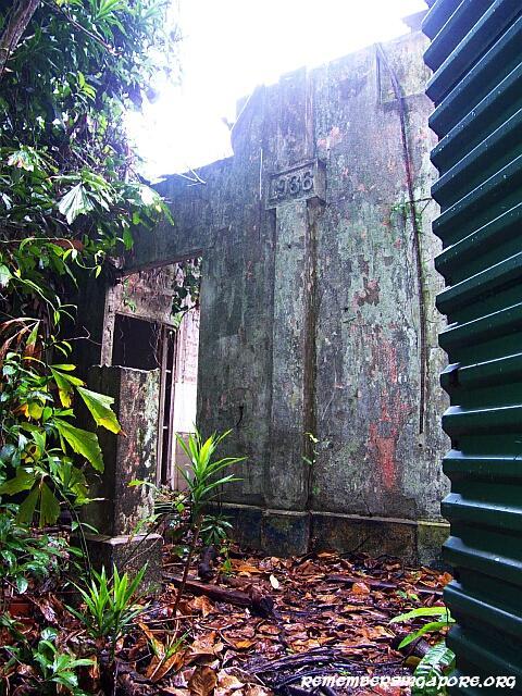 sentosa fort serapong ruins02