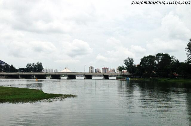 merdeka-bridge-kallang-basin