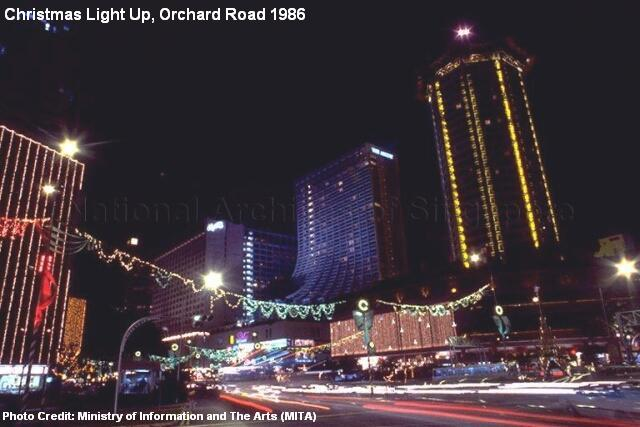 christmas-light-up-orchard-road-1986