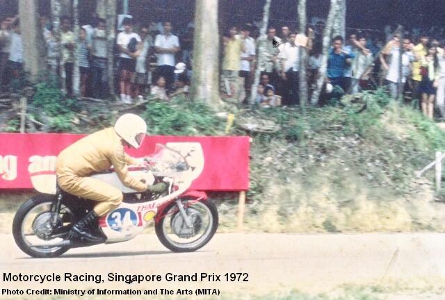 motorcycle-racing-singapore-grand-prix-1972
