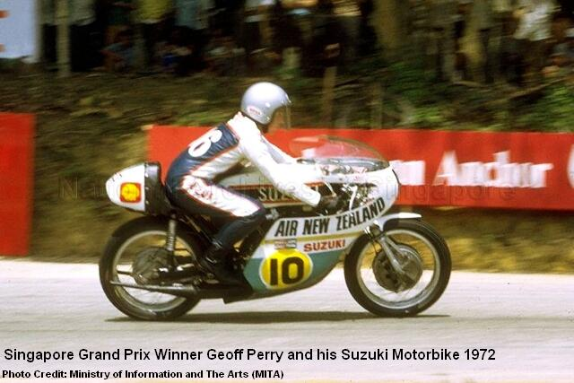singapore-grand-prix-geoff-perry-suzuki-1972