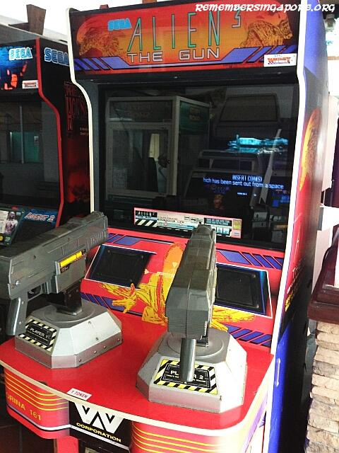 old-school-arcade-games-alien-the-gun